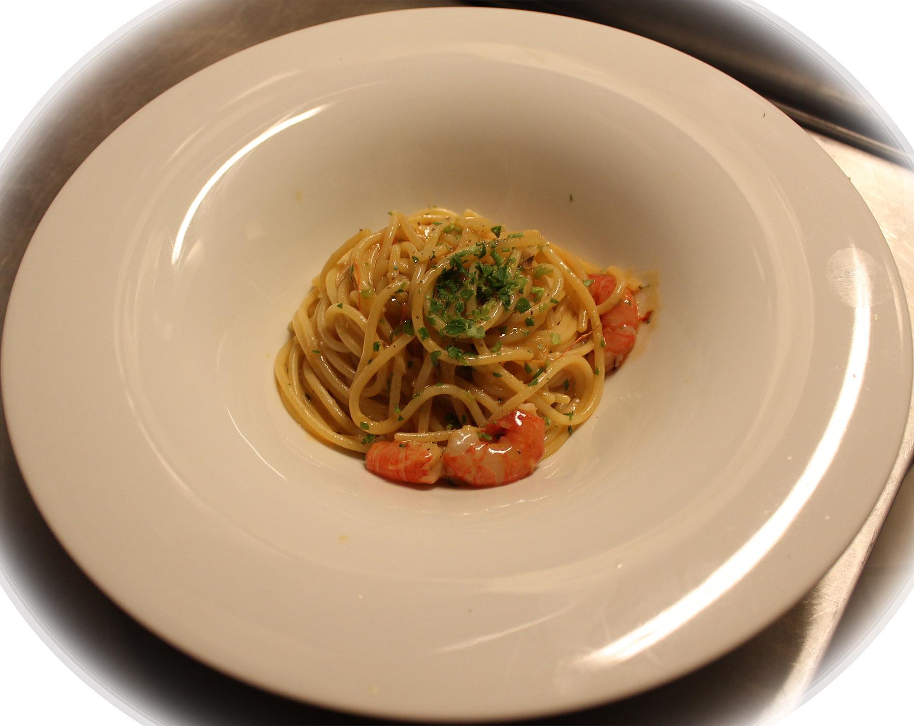 Spaghetti e gamberi saronno